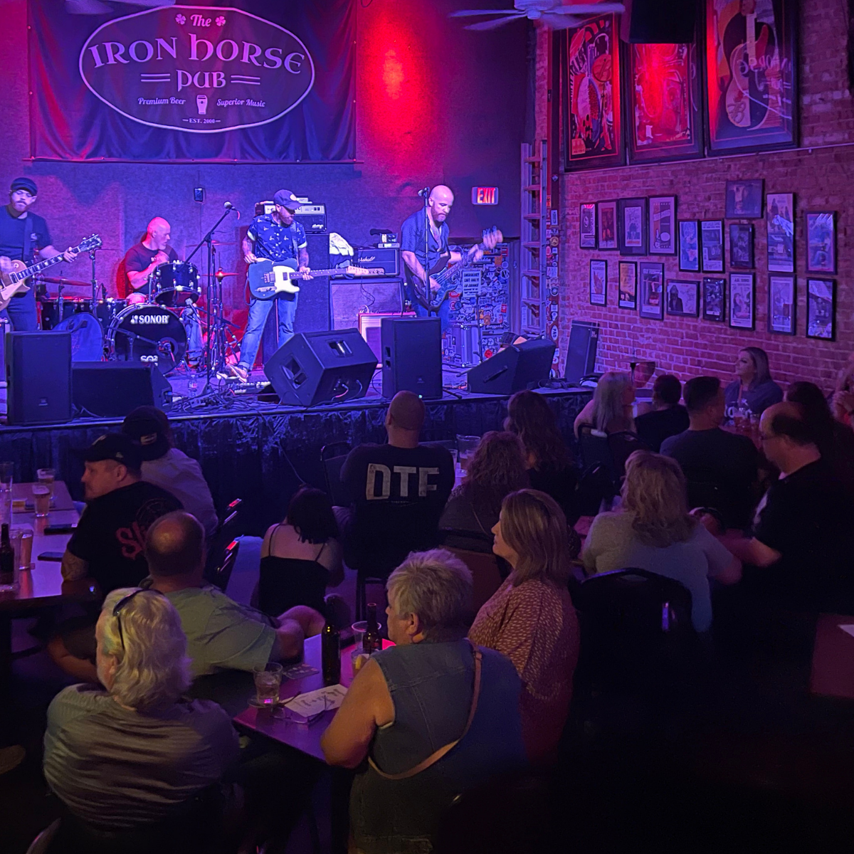 Live Music at the Iron Horse pub- Throttlebody entertains a great crowd